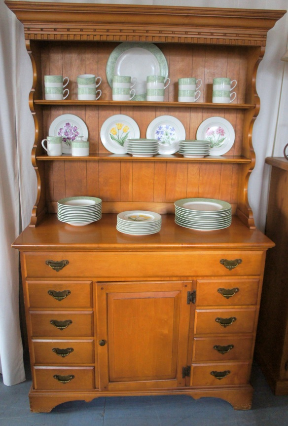 Vintage Maple Hutch, 2 pieces.