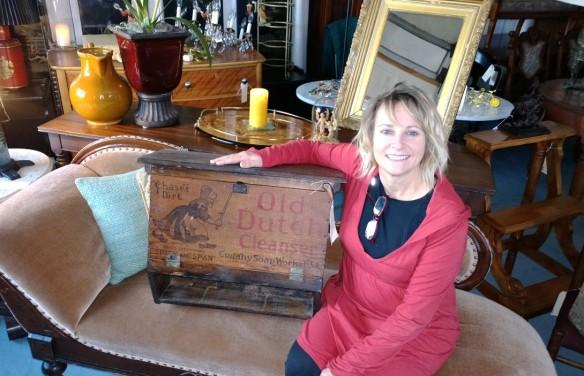 Lori Dutch cabinet