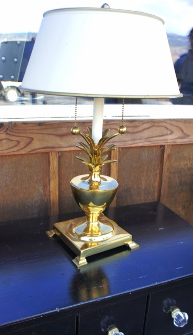 This rad lamp is so heavy it's a weapon in disguise. Cool brass pulls.